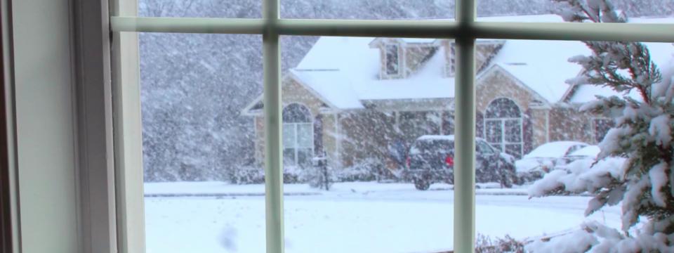 Советы как помыть окна зимой снаружи при морозе
