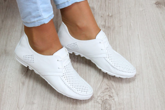 как красить белую обувь