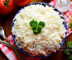 """Салат """"Невеста"""" с курицей и плавленным сыром"""