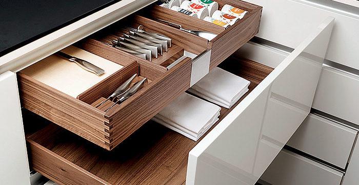 8 вещей, которые не нужно хранить в кухонных ящиках