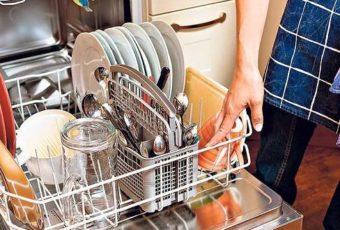 В посудомоечной машине остается вода: причины и их исправление