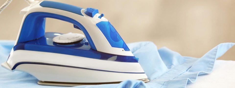 6 быстрых способов почистить утюг