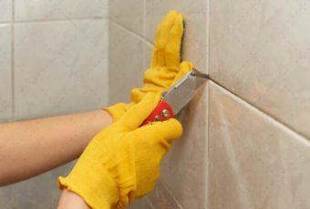 Как удалить засохший или старый клей с плитки