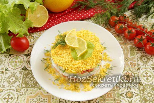 украсить зеленью, лимоном