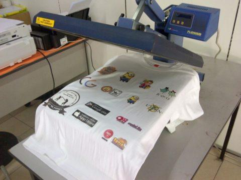 Как приклеить утюгом наклейку на одежду