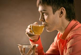 Вредно ли пить чай после еды