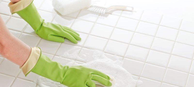 4 быстрых способа очистить плитку на кухне
