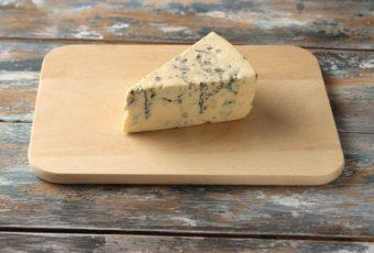 Так ли безопасен сыр с плесенью для организма