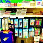 тетради и блокноты, товары для творчества и прочие канцелярские принадлежности.