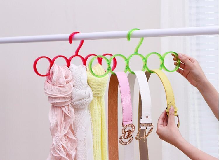 Вешалка для шарфов и ремней
