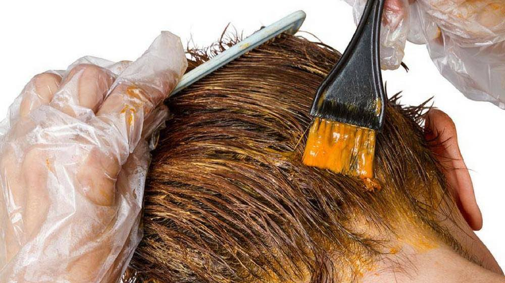 Защита кожи при окрашивании волос