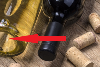 Зачем у винных бутылок делают вогнутое дно