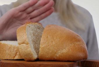 6 причин, почему после 50 лет важно перестать есть хлеб