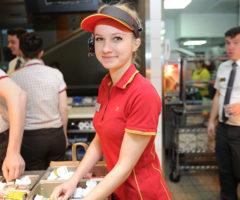 9 секретов ресторанов фастфуда, о которых знают только работники заведения