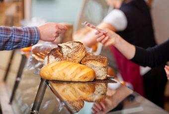 Россиянам поведали эксперты, какой хлеб лучше никогда не покупать