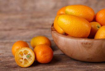 В магазины завезли новый фрукт – кумкват. Что нужно о нем знать?