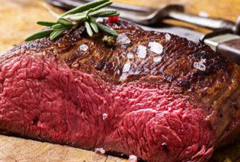 Медики предупреждают об опасности блюд из сырого мяса