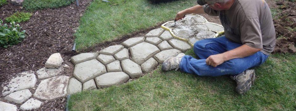 7 бюджетных идей для садовых дорожек своими руками