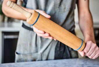 13 интересных способов использования канцелярской резинки в быту и на кухне