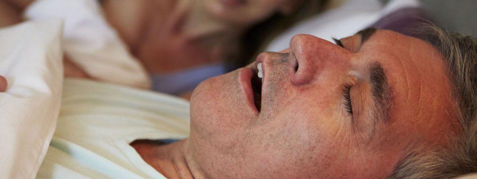 Храпите во сне? О каких серьезных заболеваниях это может говорить