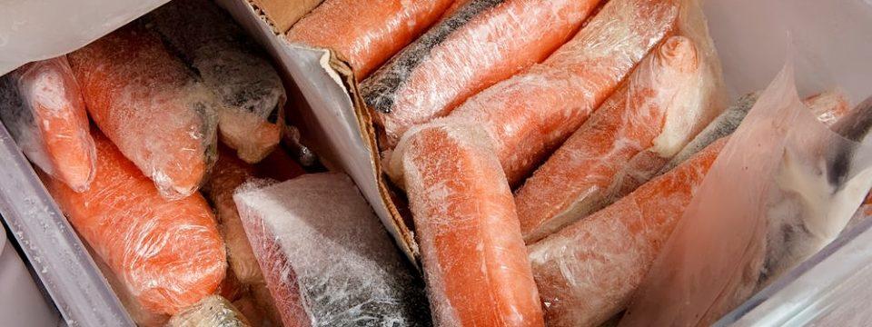 Правила хранения соленой и малосольной семги в домашних условиях