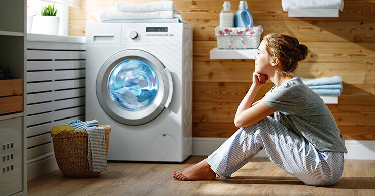 Правильная стирка предметов интерьера в прачечной