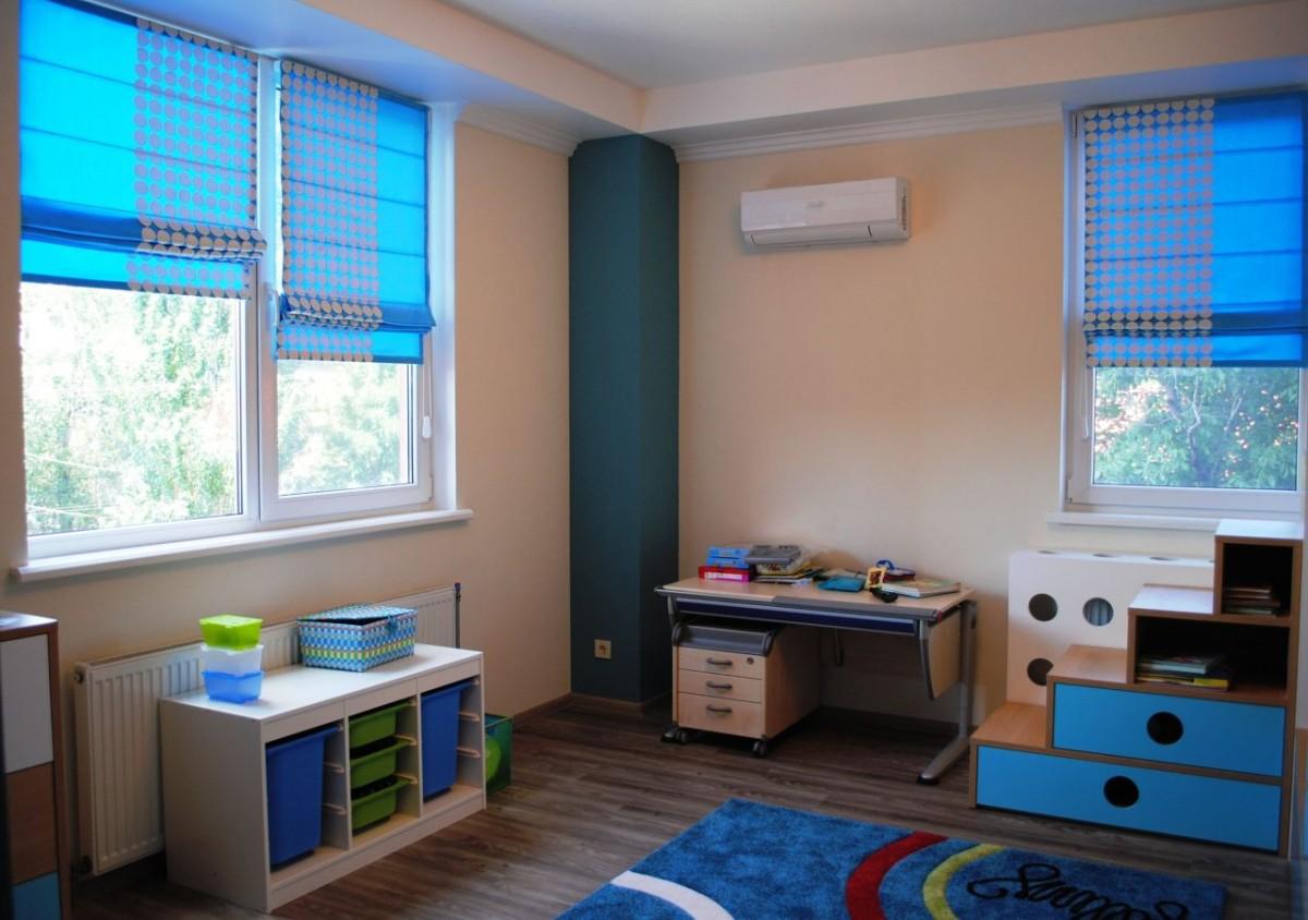 Римские шторы в детскую комнату: советы по выбору материала, цвета, дизайна для мальчика или девочки