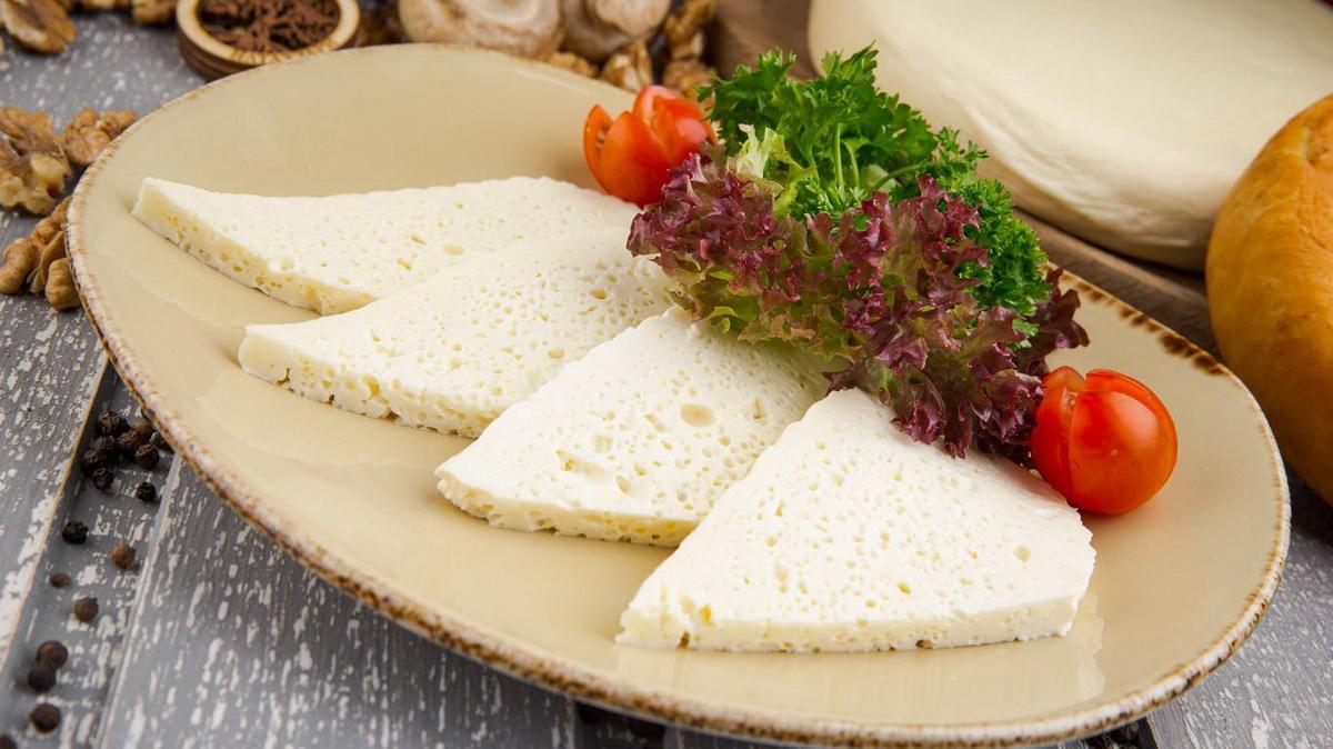 Имеретинский сыр: что это, как появился, как его употребляют и в чем его польза или вред