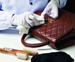 Как почистить сумку из натуральной кожи от грязи и пятен