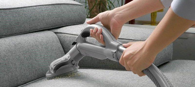 Как почистить мягкую мебель от различных загрязнений