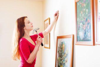 Несколько способов повесить картину на стену