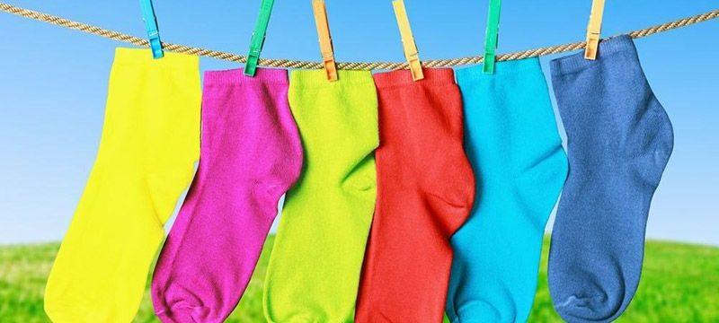 Как правильно постирать носки
