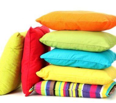 Как стирать подушки в домашних условиях