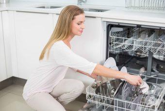 Как помыть посуду в посудомоечной машине