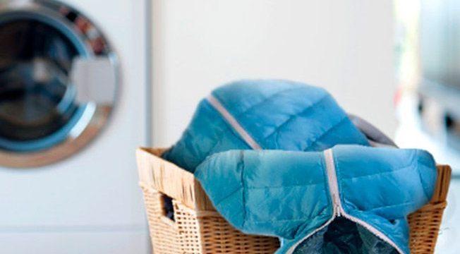 Как правильно стирать и сушить пуховик