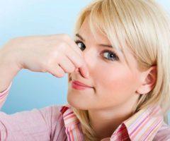 Как избавиться от неприятного запаха сырости в квартире