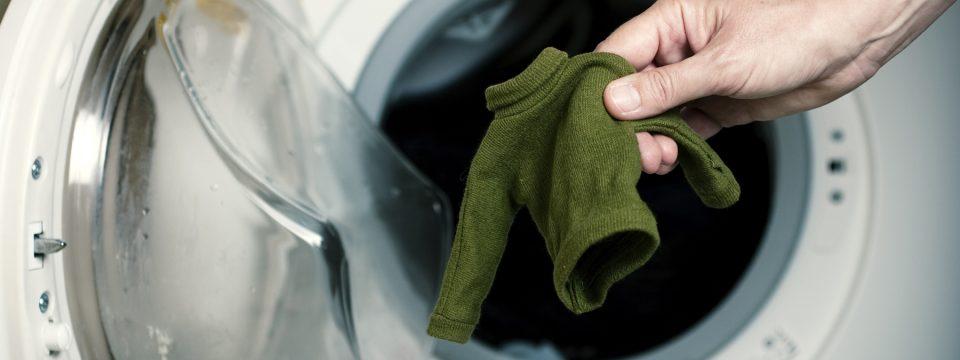 Сел свитер после стирки: как вернуть размер и форму?